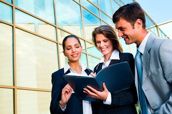 La importancia de la formación en gestión empresarial para el éxito de un negocio.