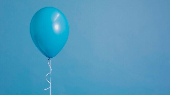 globo de helio azul