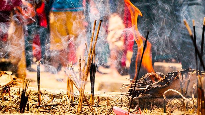 El uso del incienso en las ceremonias