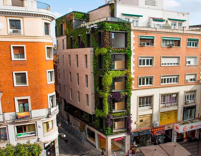 Jardín vertical de la calle de los Jardines en Madrid