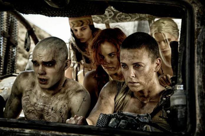Imperator Furiosa y sus secuaces en Mad Max Fury Road