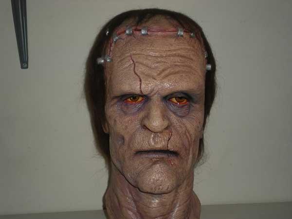 Reproducción de la máscara de Frankenstein utilizada en la película Una Pandilla Alucinante