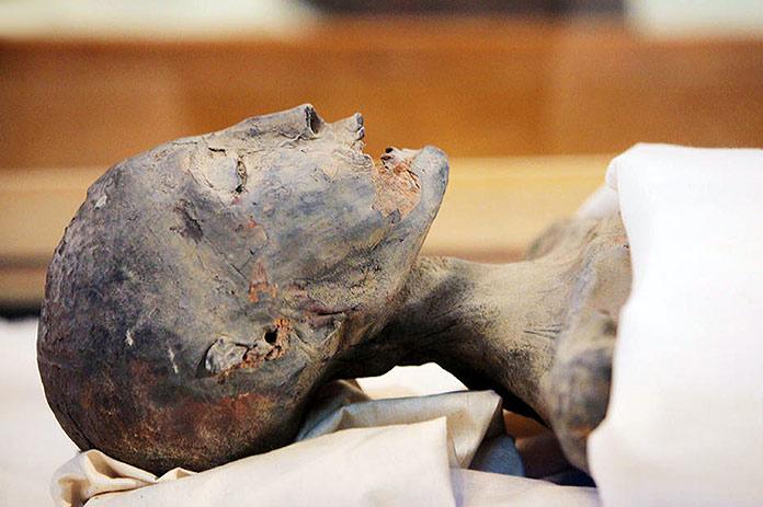Momia de Akenatón