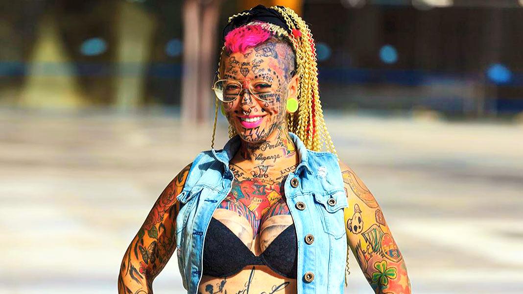 La mujer más tatuada de Europa se ha cansado de verse así