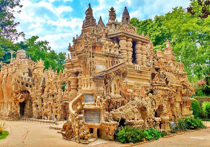 Palais Ideal: el palacio perfecto que un cartero construyó a partir de un sueño
