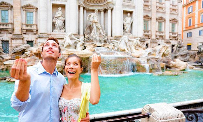 Pareja en la Fontana di Trevi