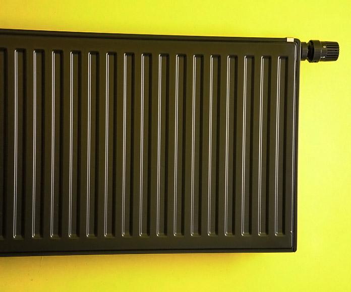 radiador de agua caliente negro