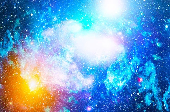 El misterio de las ráfagas rápidas de radio (FRB) provenientes del espacio profundo