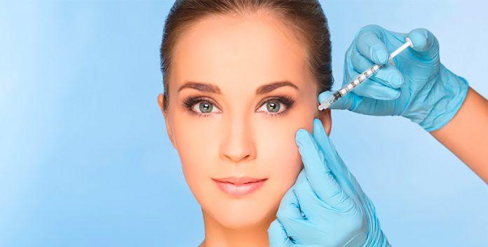 El relleno y bioestimulación del colágeno ayudan a la piel a regenerarse.