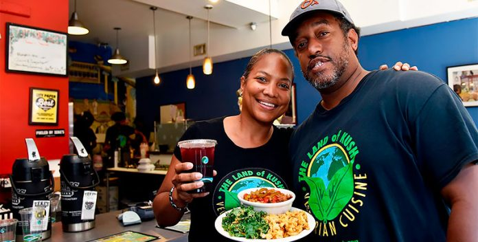 Restaurante vegano genera un gran impacto social en la comunidad de Baltimore.