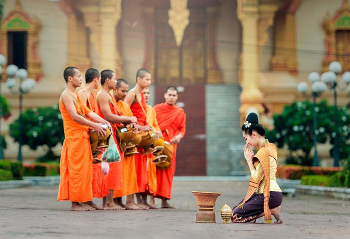 Reunión budista. Pixabay