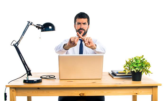 Revisa el correo electrónico un máximo de 3 veces al día