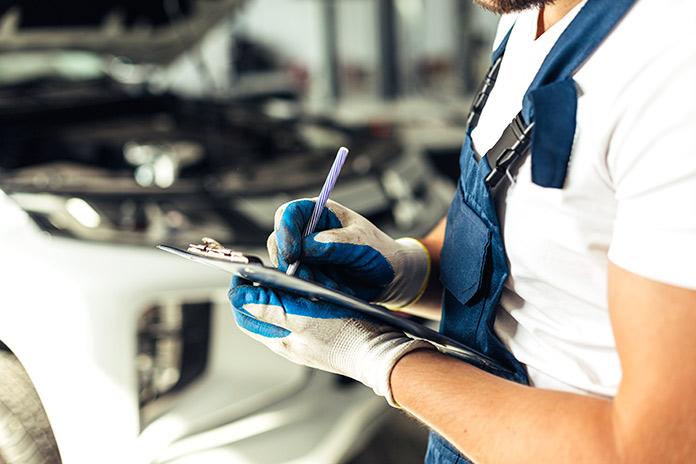 Revisión periódica de los neumáticos