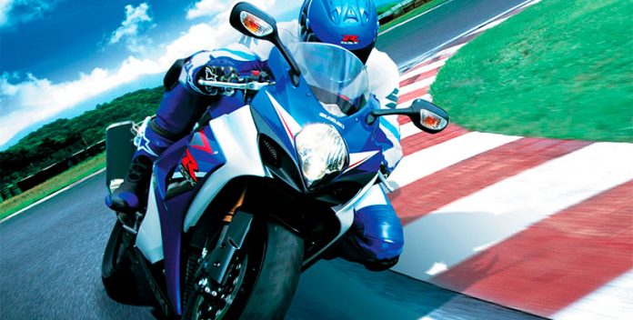 De esta manera conseguirás rebajar el seguro de la moto.