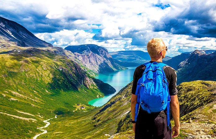 4 beneficios de practicar senderismo habitualmente