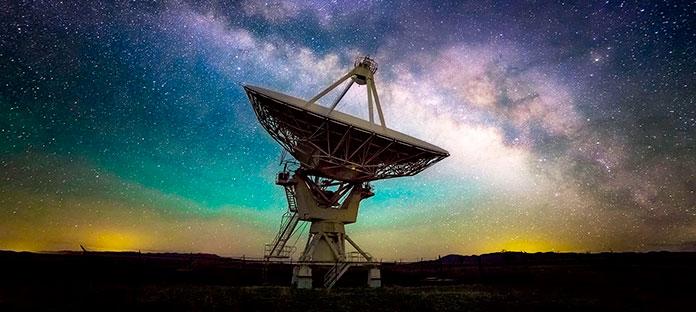 Antena del observatorio Very Large Array de Nuevo México