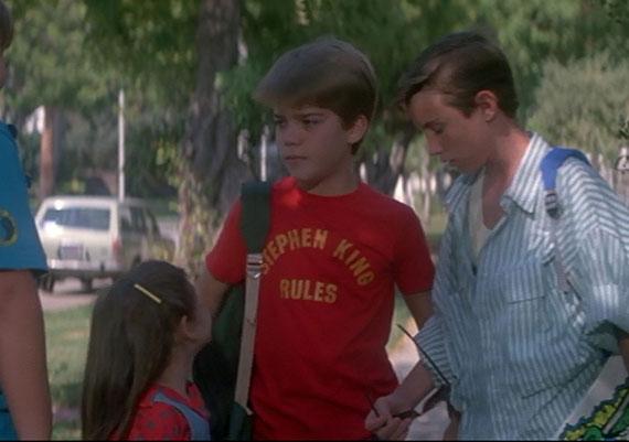 La camiseta de Stephen King Rules que viste el protagonista de Una Pandilla Alucinante