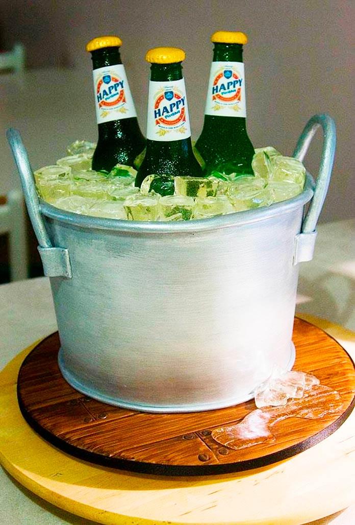 Tarta cubo de hielo con cervezas