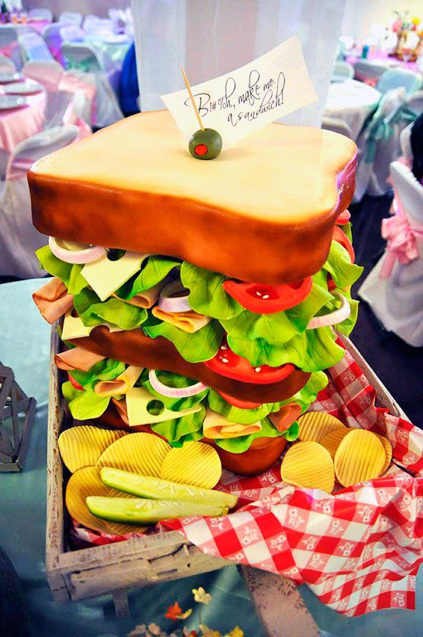 Tarta con forma de sandwitch