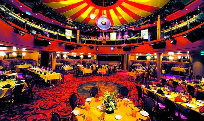 Colorido teatro de un barco