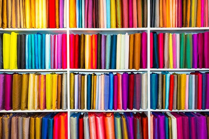 Cortes de telas de distintos colores