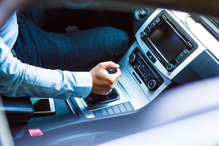 Diferencias básicas entre la transmisión mecánica y la automática