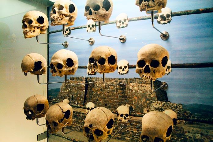 Tzompantli de Tecoaque en el Museo Nacional de Historia, Chapultepec