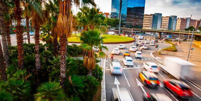 Las medidas de restricción de vehículos en Barcelona incrementan el uso de la moto.