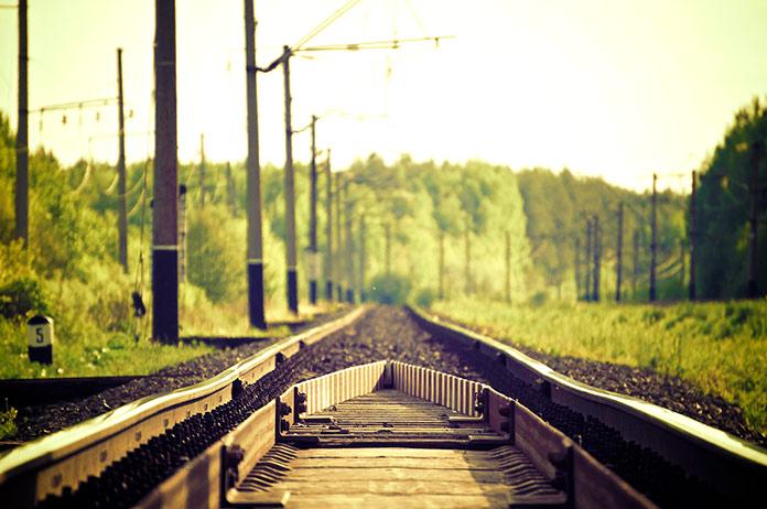 Perspectiva de una vía de ferrocarril