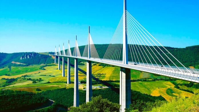Viaducto de Millau: 400 millones de euros por la tranquilidad de un pueblo